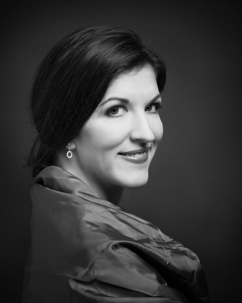Monika Medek, Sopranistin, SaeŠngerin